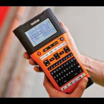 BROTHER Cimkenyomtató PT-E550WVP, kézi, QWERTY billentyűzet, TZe szalag: 3,5-24mm, tölthető akku, nagy kijelző